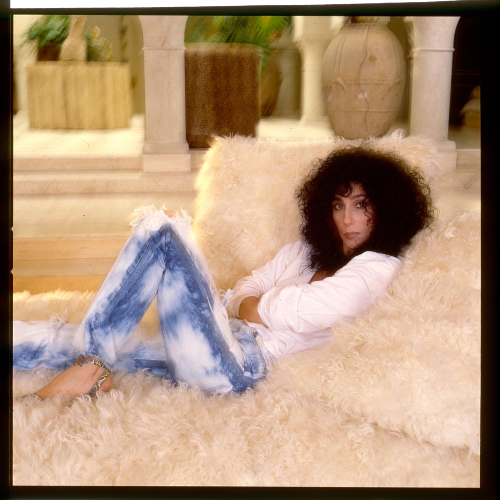 cher at home in l a ca photographed by anthony barboza 1984 for new york times magazine 1a 4. Black Bedroom Furniture Sets. Home Design Ideas